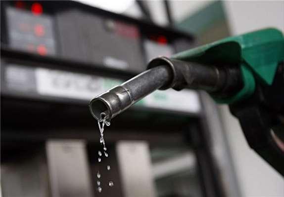 مسئولان به فکر مدیریت مصرف بنزین باشند/ مازاد نیاز مردم، بنزین در کشور تولید خواهد شد
