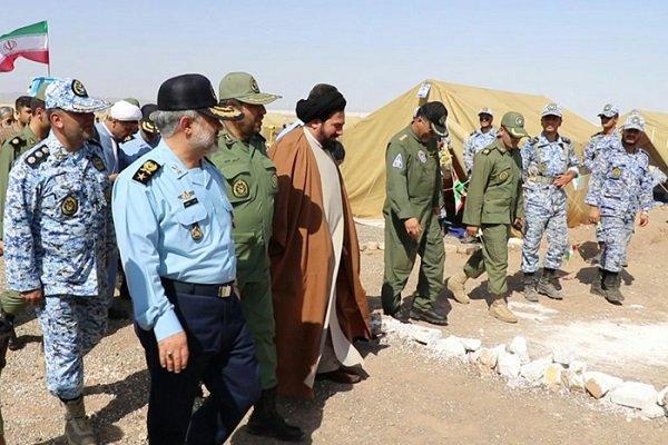 فرمانده نهاجا از اردوگاه کویر دانشگاه شهید ستاری بازدید کرد