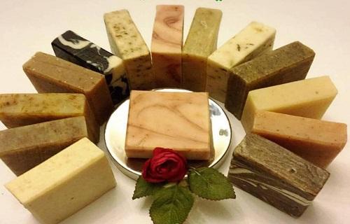 حفاظت اصالت صابونهای طبیعی و دستساز به روش چند صد ساله ایرانی / تولید صابون های گیاهی تماما ایرانی با هدف حفاظت از پوست