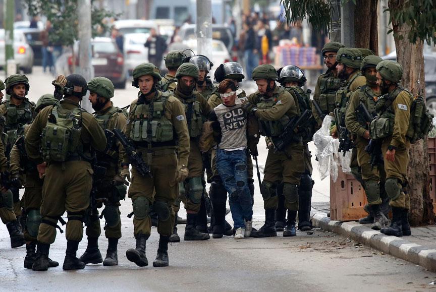 غزه مثل استخوانی در گلوی صهیونیستها گیر کرده است///////////////