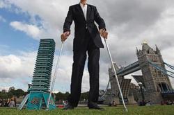 جوانی با بیش از 2 متر قد که نام رکورد «گینس» را تاکنون نشنیده است +عکس