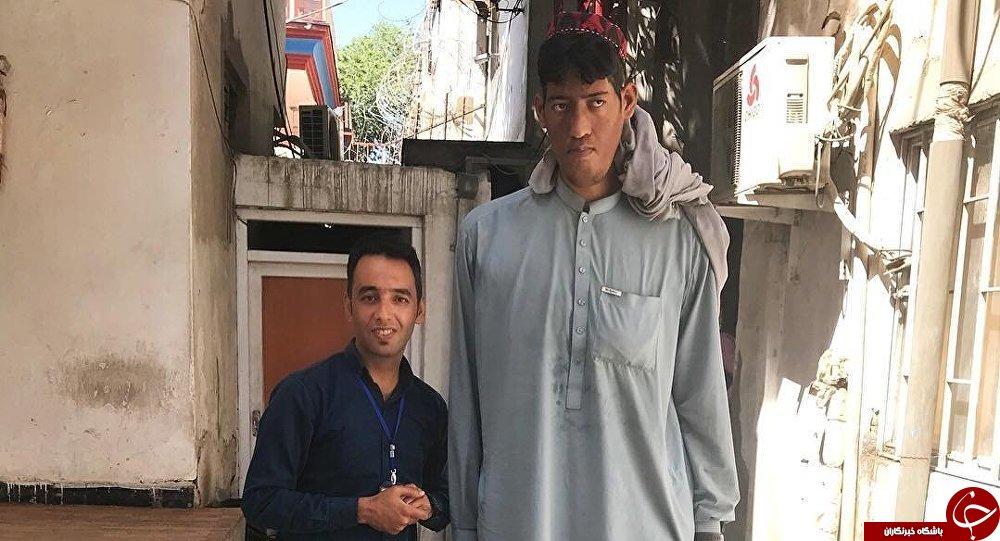 جوانی با بیش از 2 متر قد که نام گینس را تاکنون نشنیده است+عکس