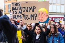 سومین روز از تظاهرات مردم آمریکا در اعتراض به عملکرد ترامپ در نشست هلسینکی