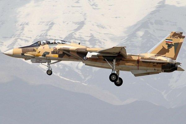 یک فروند هواپیمای F14 در پایگاه شهید بابایی اورهال شد