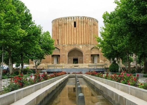 باشگاه خبرنگاران -برگزاری مراسم شب شعر رضوی در مجموعه فرهنگی - تاریخی کاخ خورشید