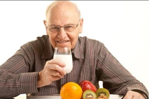 پوررضایی/پیشگیری از بیماریهای سالمندی از دوران کودکی شروع میشود