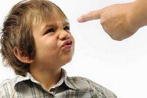 چگونه با حاضرجوابی کودکمان مقابله کنیم؟