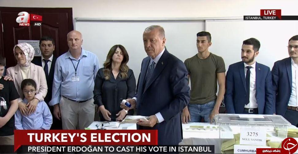 حضور رجب طیب اردوغان پای صندوق رأی+ تصاویر