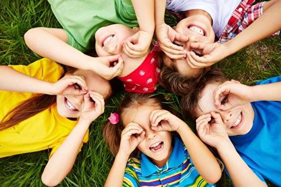 ترفندهای که افسردگی را از کودکان دور میکند/ شادی را این گونه به زندگی دلبندتان تزریق کنید