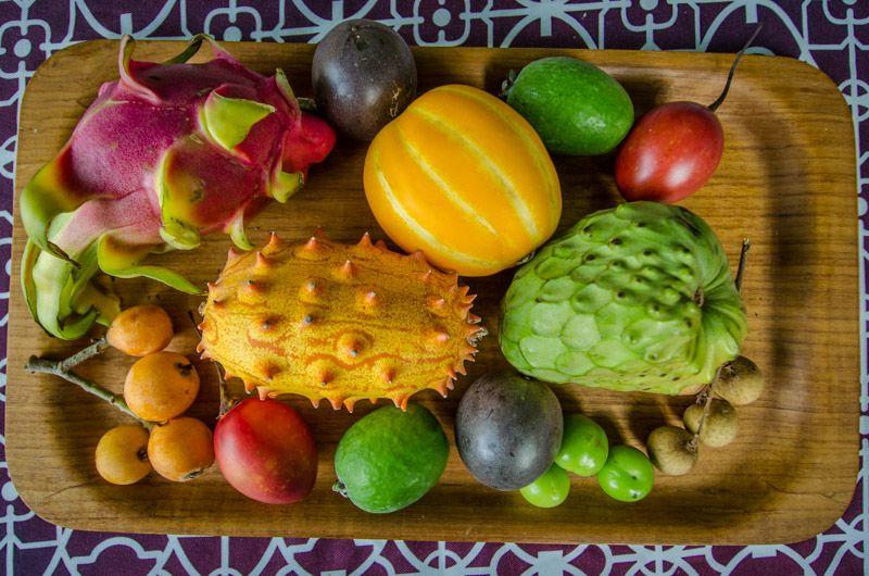 آجیل و میوههای عجیب و لاکچری بر سر سفره کاربران داخلی/ از «گارسینیا» لاغرکننده تا انگوری که طعم آناناس می دهد+تصاویر