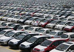 تخت گاز قیمت خودرو با عملی نشدن وعدههای مسئولان + فیلم