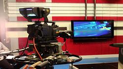 درگیری شدید فیزیکی دو میهمان در برنامه زنده تلویزیونی +فیلم