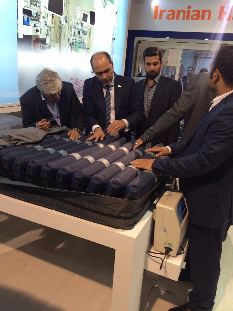 ساخت تشکی مناسبِ بیماران سوخته برای اولین بار در دنیا/ سنگهایی که بر سر راه تولید تجهیزات پزشکی انداخته میشود