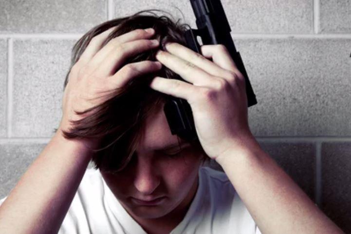 افزایش آمار خودکشی در میان نوجوانان آمریکایی/نقشی که شبکههای اجتماعی در خودکشی کودکان آمریکایی ایفا میکنند+تصاویر