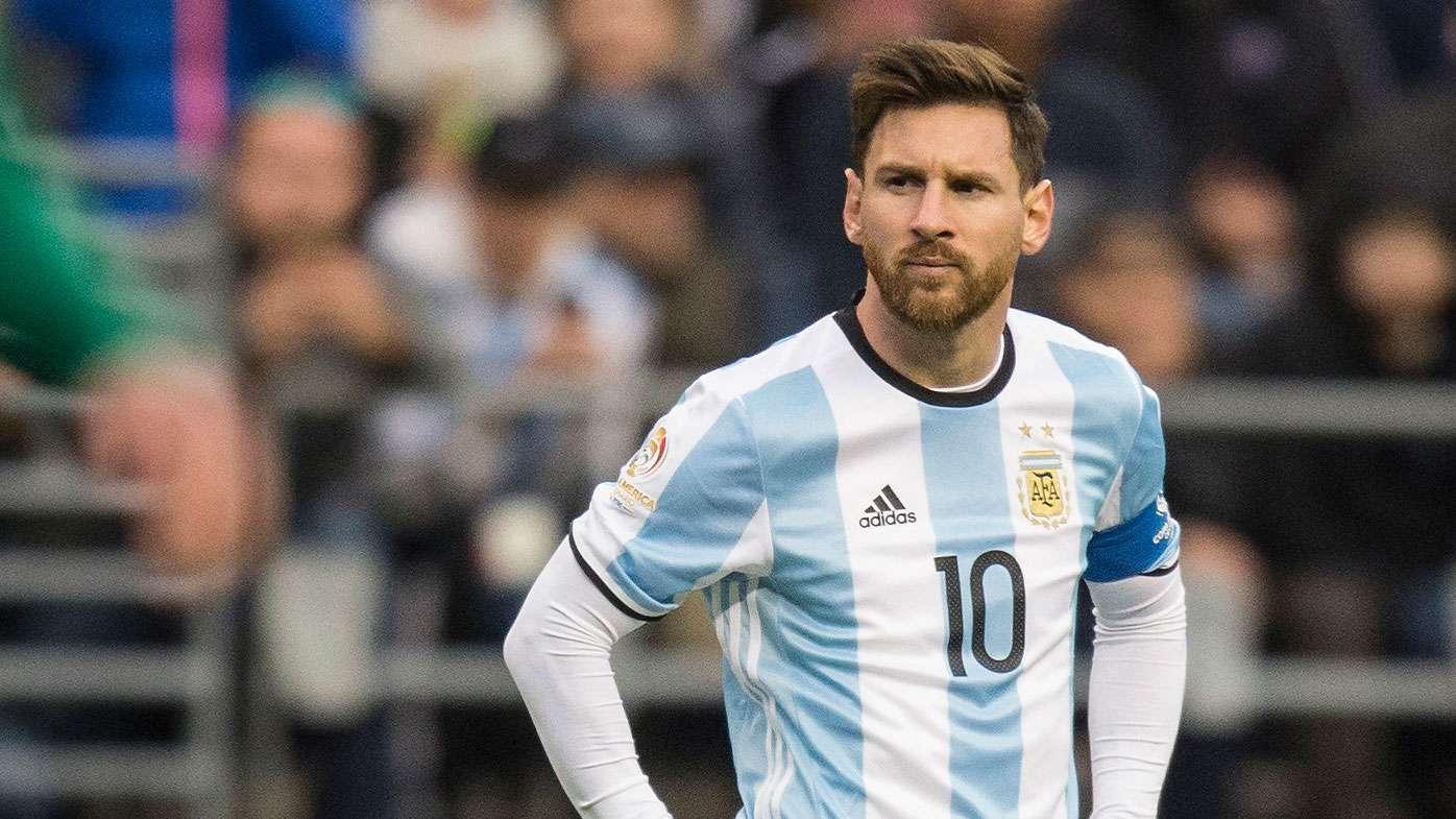 طرفدراران تیم آرژانتین خواهان خداحافظی مسی شدند