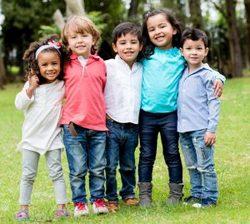 شایسته///با الگوهای مناسب رفتاری دوست ی را به فرزندان خود آموزش دهید