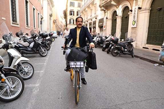 حمید معصومینژاد خبرنگار همه فن حریف صدا و سیما در ایتالیا + فیلم