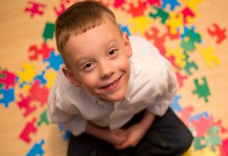 ورود دعانویسان به عرصه پزشکی/اوتیسم به صورت قطعی درمان میشود؟