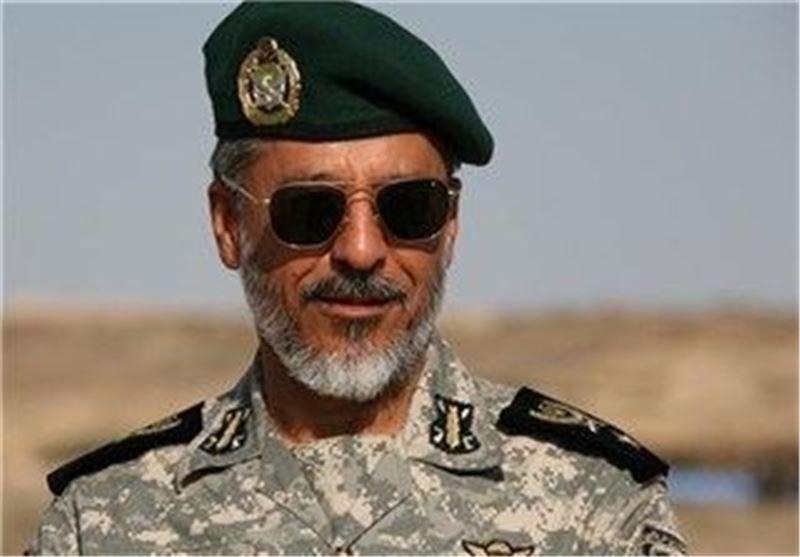 دریادار سیاری از گروه پدافند هوایی اصفهان بازدید کرد