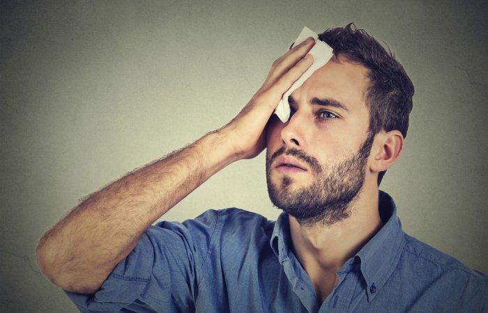 عرق سرد نشانه بیماری جدی است؟