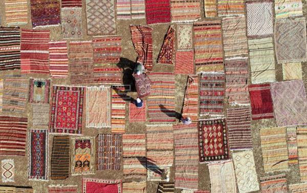 تصاویر هوایی از نمایش هزاران فرش دستباف در آنتالیای ترکیه