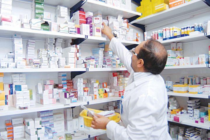 پشت پرده تلاش وزارت بهداشت برای واگذاری توزیع داروهای ترک اعتیاد به داروخانهها