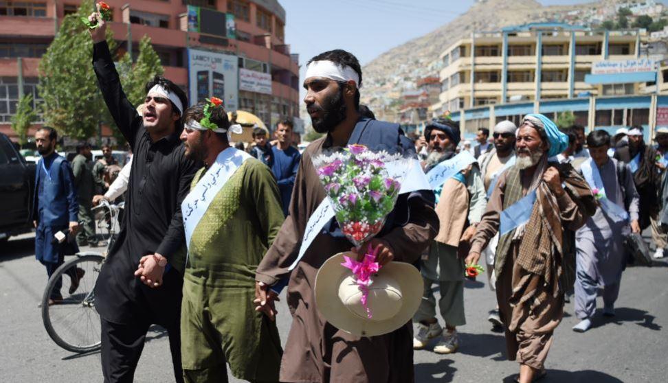 کاروان مردمی صلح راهپیمایی خود به «بلخ» را آغاز کرد