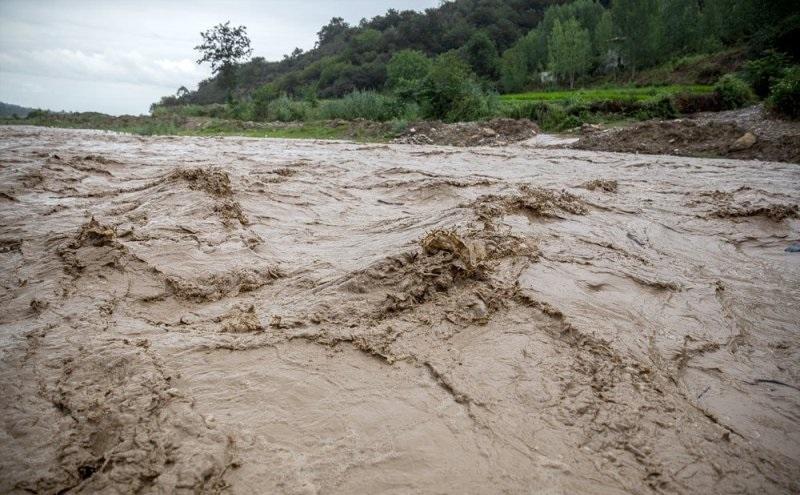 وقوع سیلاب رحمتی الهی برای منابع آبی کشور است