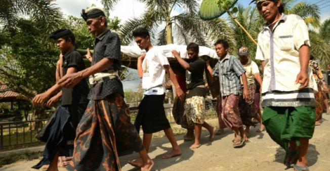 تعداد قربانیان زلزله در اندونزی به ۳۸۷ نفر رسید