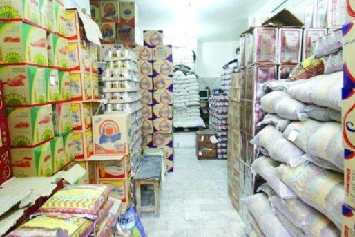 کشف انبارهای احتکار ظروف آشپزخانه، برنج و لاستیک در سیرجان