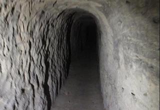 پدر بشار اسد از تونل تروریستها سر درآورد! +فیلم