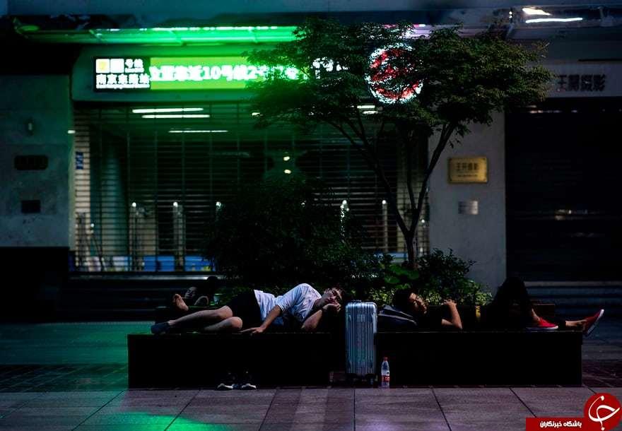 شهری که ساکنانش با وجود داشتن خانه شبها در خیابان میخوابند! +تصاویر