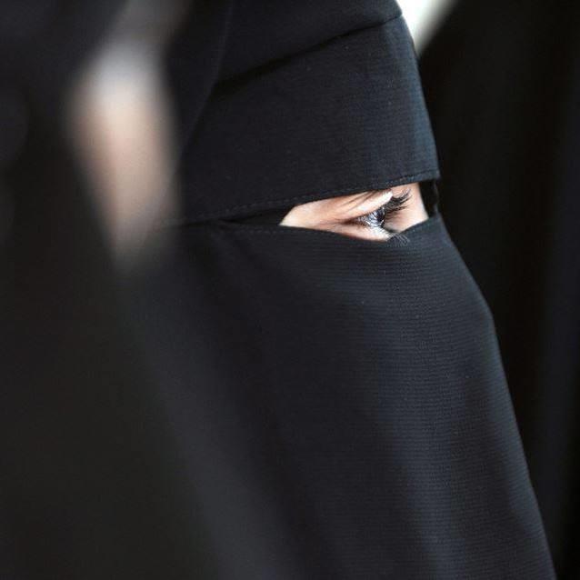 بازیگر زنی که با کشف حجاب ناگهانی جنجال به پا کرد!