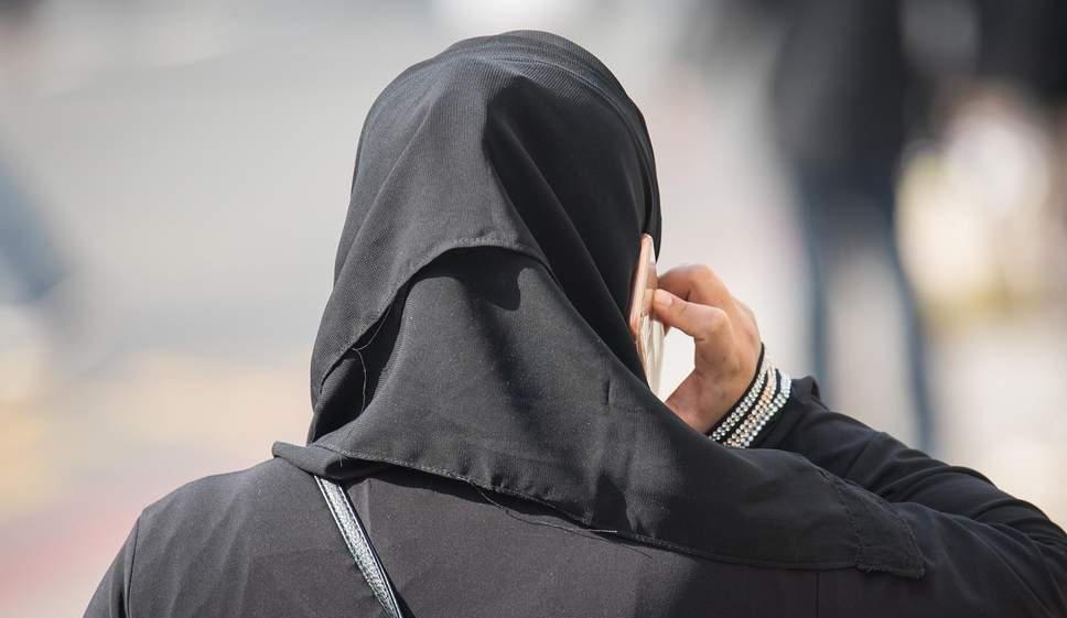 بازیگر زنی که با کشف حجاب ناگهانی جنجال به پا کرد!+تصاویر