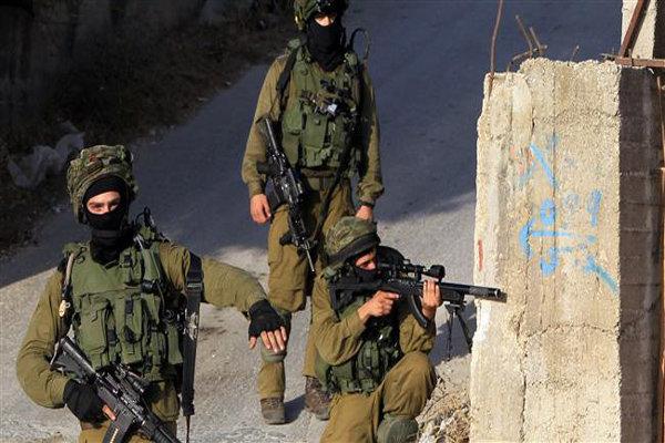 بازداشت ۵ ماهیگیر فلسطینی و زخمی شدن ۲ فلسطینی درگز در شرق غزه به دست صهیونیستها