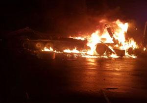 آتش سوزی تریلی در جاده اصفهان به تهران +فیلم