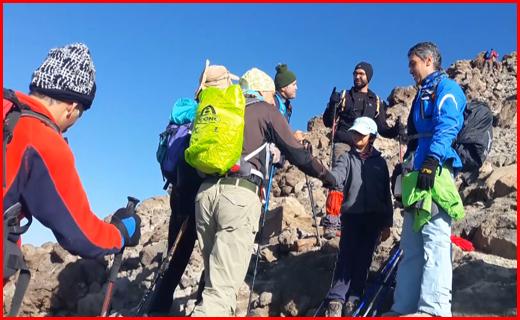 کوهنورد ۸ ساله قله دماوند را فتح کرد