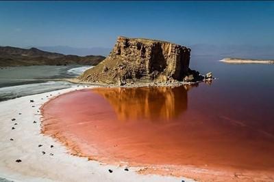 باشگاه خبرنگاران -تصاویری جالب و دیدنی از حضور گردشگران در دریاچه ارومیه+ تصاویر