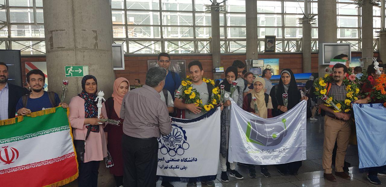 درخشش دانشگاه امیر کبیر در مسابقات جهانی رباتیک فیرا/ میزبانی ایران برای بزرگترین رویداد ورزشی رباتها