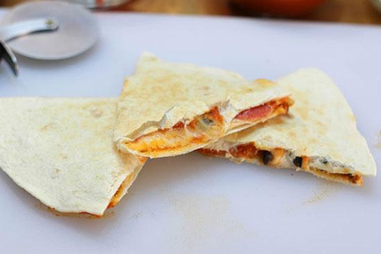 باشگاه خبرنگاران -طرز تهیه پیتزای خوشمزه«کوئسادیلا»