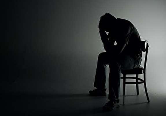 خطرات و آسیبهای تنهایی براى سلامتى/ چگونه تنهایی را پر کنیم؟