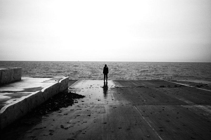 چرا بعضی از افراد احساس تنها بودن می کنند