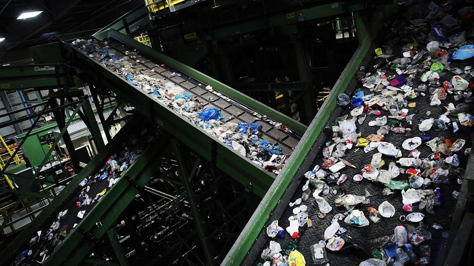 ایالات متحده آمریکا در فروش و بازیافت زباله نیز تقلب میکند! +تصاویر
