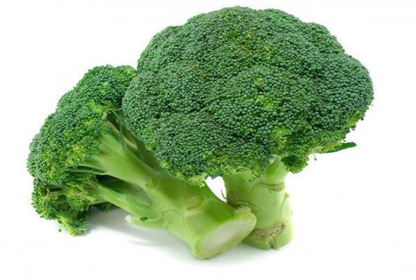 باخوردن این سبزی پربرگ از بیماری سرطان روده پیشگیری کنید