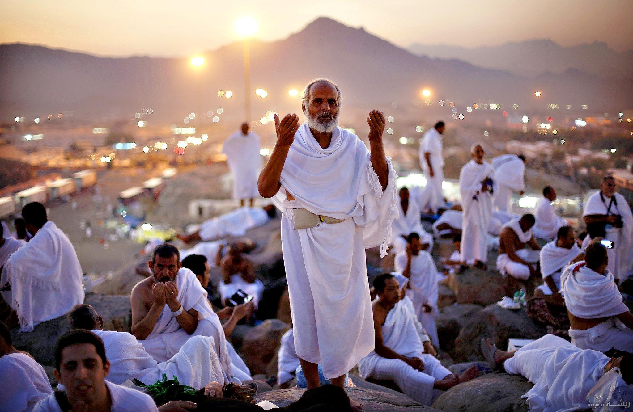 روز عرفه چه روزی است؟ / فضیلت شب عرفه برابر صدو هفتاد سال عبادت است