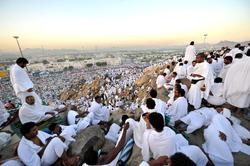 تعویض پرده خانه خدا/ بیتوته حجاج در صحرای عرفات + فیلم و تصاویر