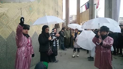نخستین گروه نمایش خیابانی سندروم داون در جهان/ خالصانهترین بازیگران دنیا