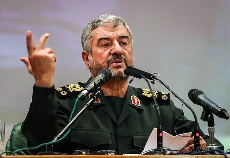 تهدید نفتی ایران به راحتی قابل پاسخگویی است