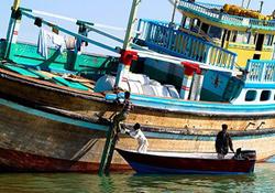 جزئیات بسته شدن بندر امارات بر روی لنجهای ایرانی