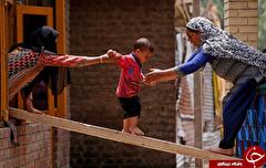 باشگاه خبرنگاران -تصاویر روز: از جابجا کردن سنگ ۱۰۰ کیلویی دیوار ندبه تا برگزاری انتخابات پارلمانی در پاکستان